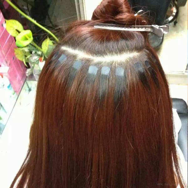 按照个人喜好定制彩色接发,不会伤害到自己的头发,想换别的颜色也非常图片