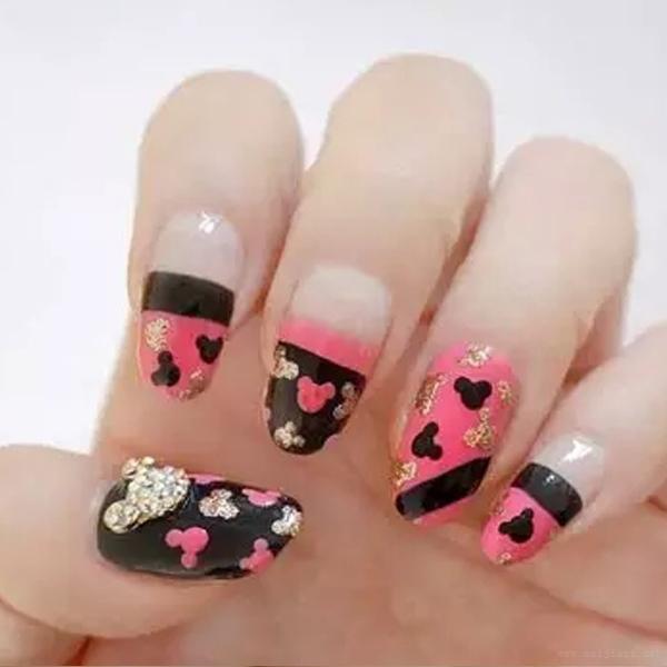 可爱粉红色米奇美甲67